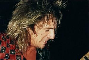 Live at Hammersmith 1989 close up