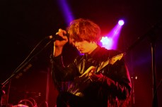 Blaine Harrison, Mystery Jets. Blaine had a broken leg in this show but the band were very impressive nevertheless.