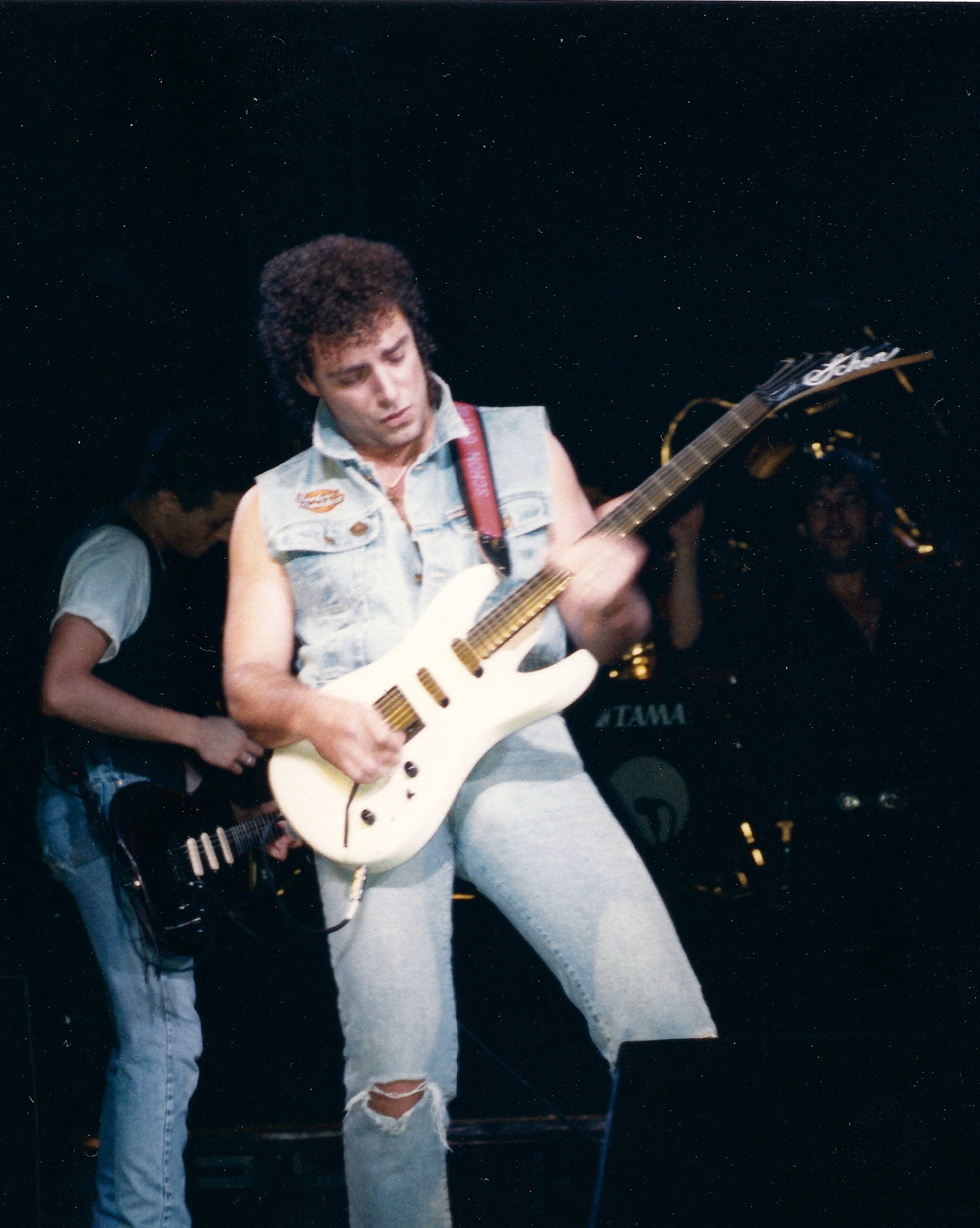 EDDIE VAN HALEN Guitar World Magazine Nov. 1982 **RARE**