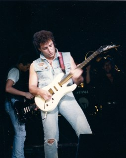 Neal Schon playing with jimmy Barnes