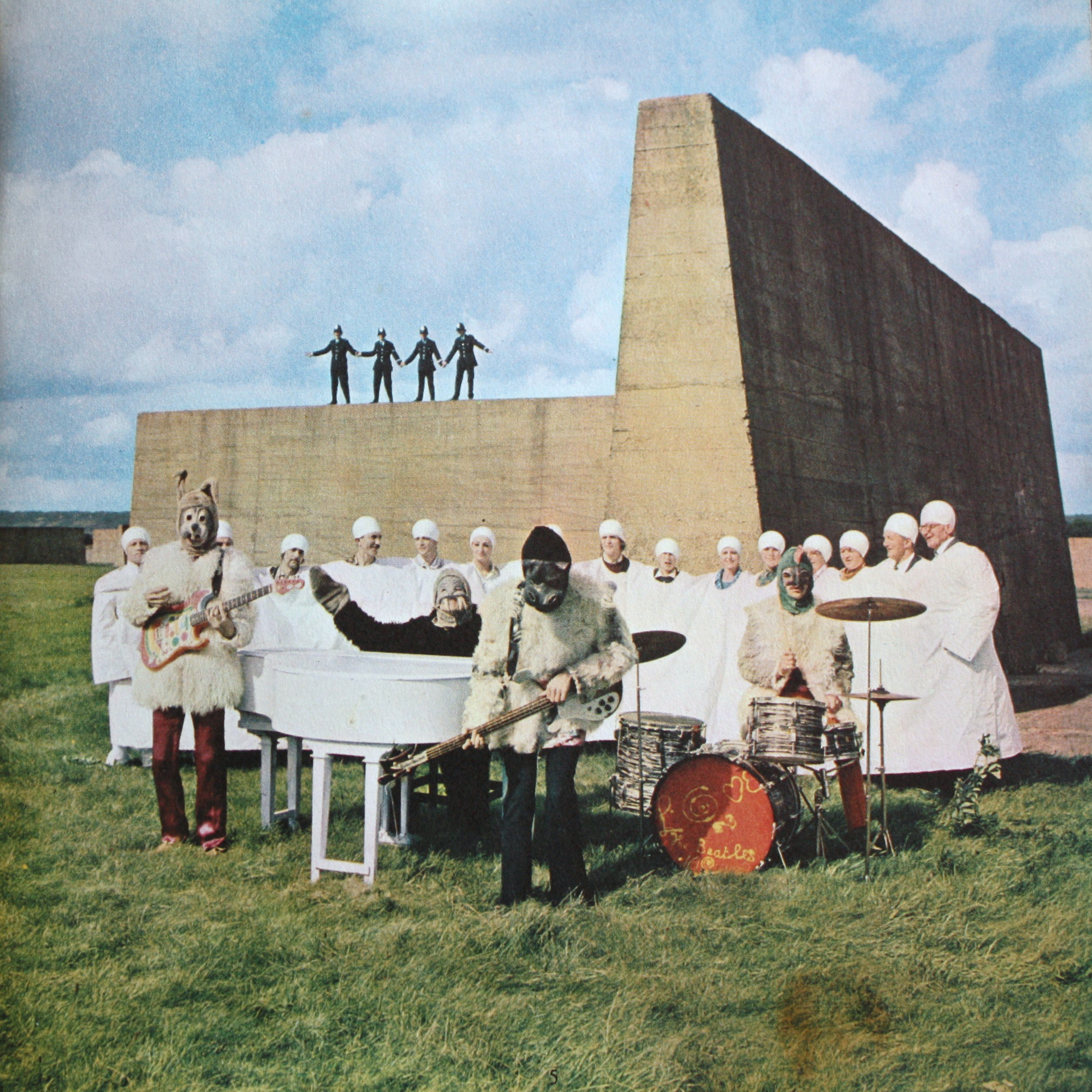 beatles-magical-mystery-tour-ep-i-am-the-walrus-7825.jpg