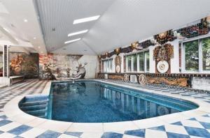 Steve Harris Swimming Pool
