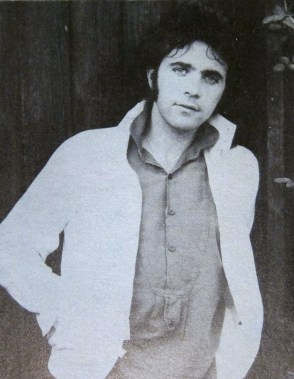 He's gorgeous... David Essex in the 1978 TOTP Annual