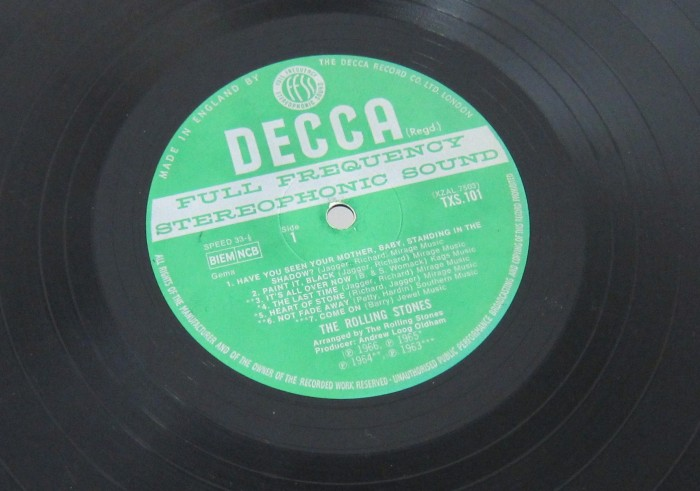 "An unboxed Decca label. Compare to the ""boxed"" label at the top of the page"