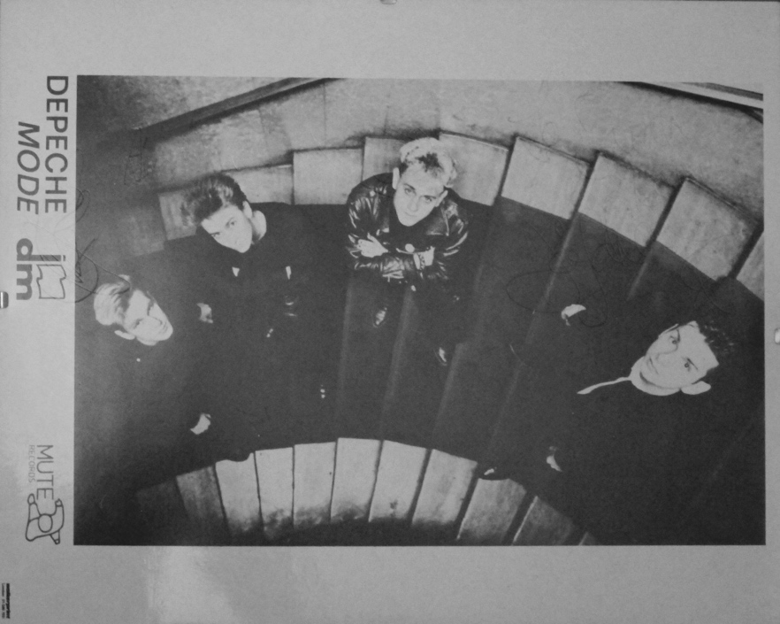 Depeche_mode_mute_flyer_Hansa_studios_stairs.JPG