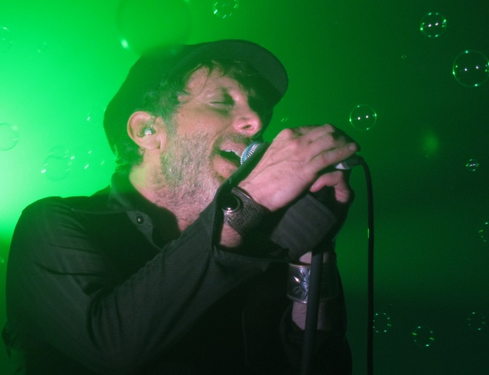 Jonathan Donahue of Mercury Rev at The Oval Space 2015 12